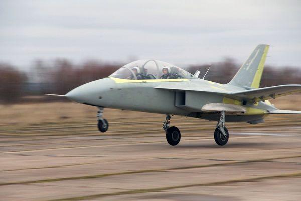 Спортивно-пилотажный самолёт СР-10