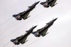 Пилотажная группа китайских ВВС