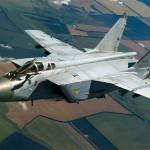 Экипажи МиГ-31 выполнили посадку на условно повреждённую ВПП