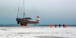Вертолёт Ми-26Т эвакуировал Ан-2 со льда Северной Двины