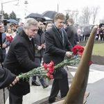 Министр транспорта РФ и донской губернатор почтили память жертв авиакатастрофы в Ростове-на-Дону