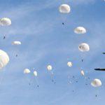 В ходе учения проведено массовое десантирование более 1000 военнослужащих и 24 боевых машин