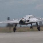 Первый полёт ударного БПЛА «Охотник» — обновлено — расширенное видео