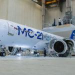 Мантуров: авиакомпании получат самолет МС-21 до конца 2021 года