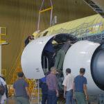 Корпорация Иркут провела макетную навеску двигателей ПД-14 на опытный МС-21