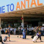 Почему сейчас в условиях более острой ситуации с коронавирусом возобновляется международное авиасообщение